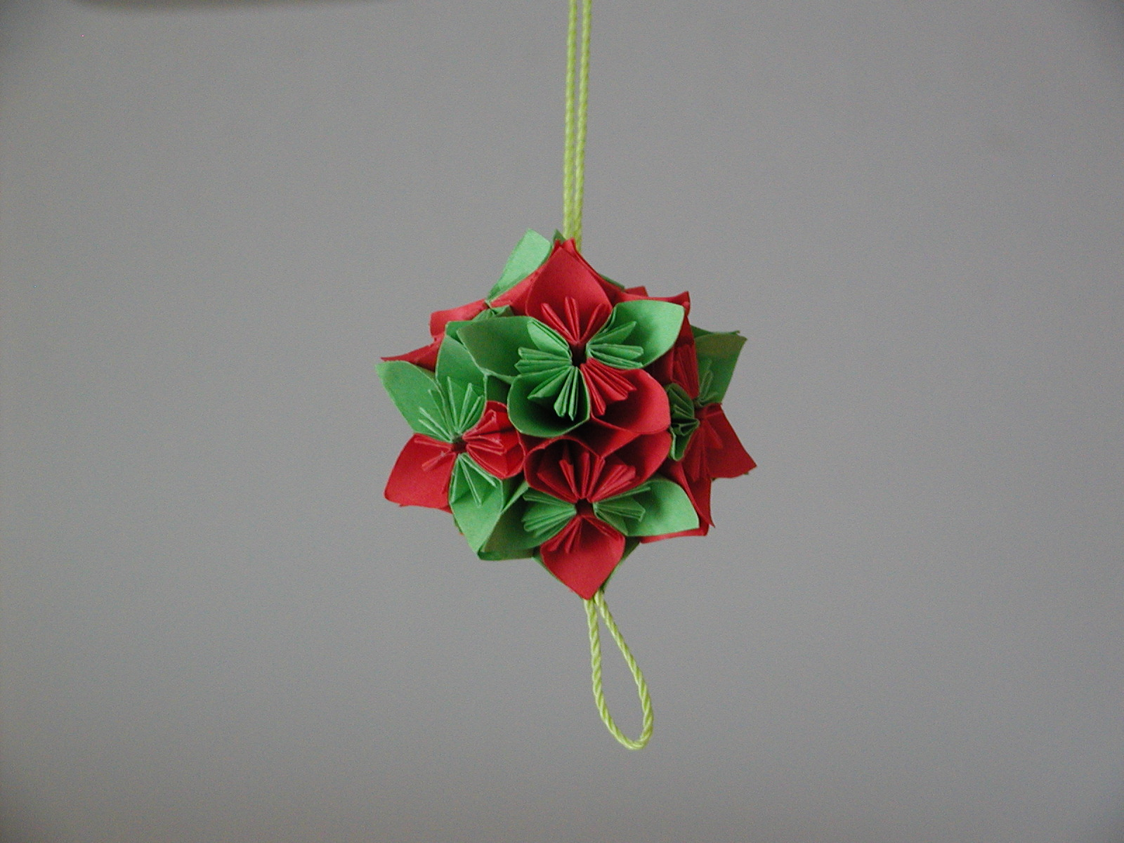 Christmas tree ornament origami christmas decorating for Decoration origami